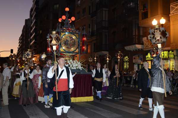 rosario de cristal de zaragoza - tradición - fiestas del pilar - imagen1