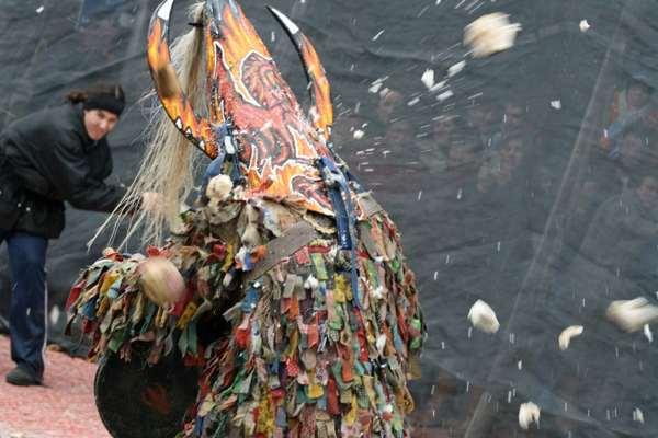 El Jarramplas- Piornal- mascarada de invierno-tradición-imagen-evento