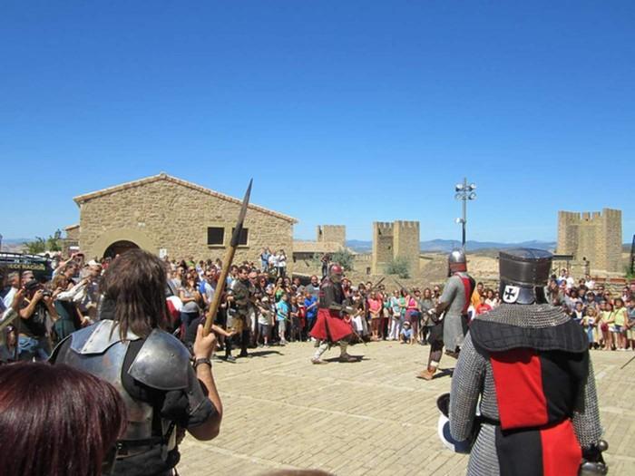 Encuentros con la historia, Artajona, Fiesta