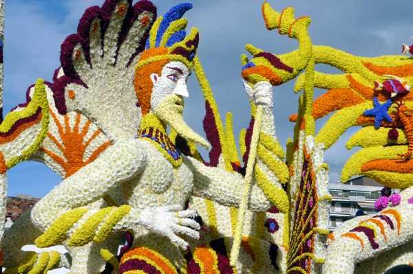 Batalla de Flores-Laredo- Fiesta- Imagen-carroza