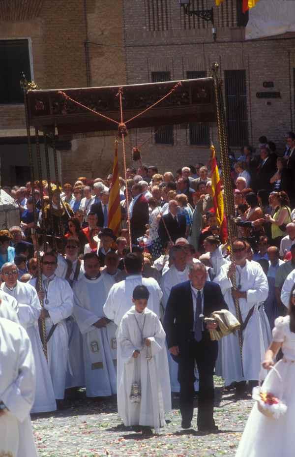 corporales daroca- CorpusChristi -Tradición- imagen2 de la procesion