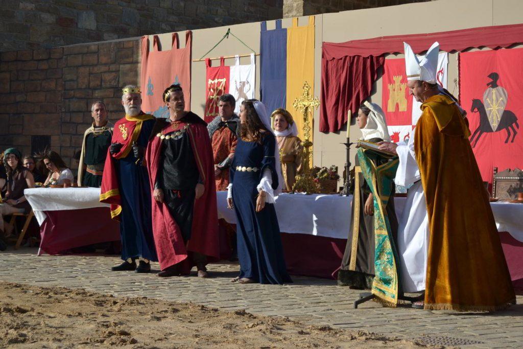 Una fiesta histórica en Artajona