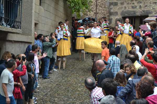 Danza de los Zancos de Anguiano - La Rioja - Tradición - imagen
