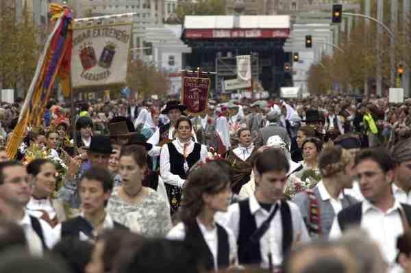 Ofrenda de Flores del Pilar - Zaragoza - Fiestas Populares - imagen1
