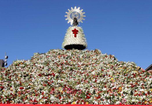 Ofrenda de Flores del Pilar