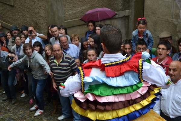 danza de los zancos de anguiano-tradicion-imagen1