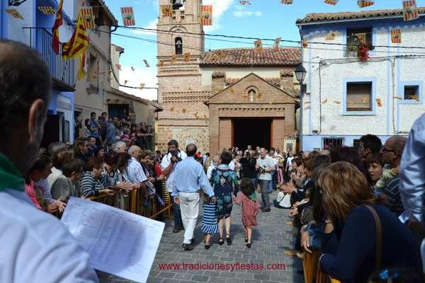 El pesaje de los niños de  lituenigo-rito- tradicion-imagen blog III