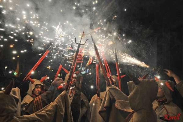 ball de diables-Cataluña- tradicion-imagen5