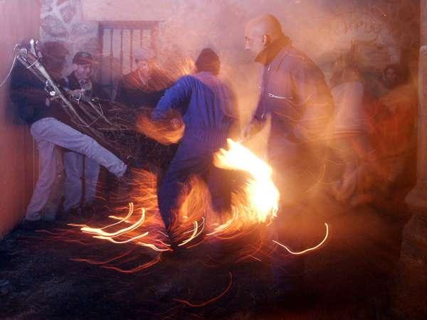 Fiesta de los Escobazos - Jarandilla de la Vera - Extremadura-imagen5
