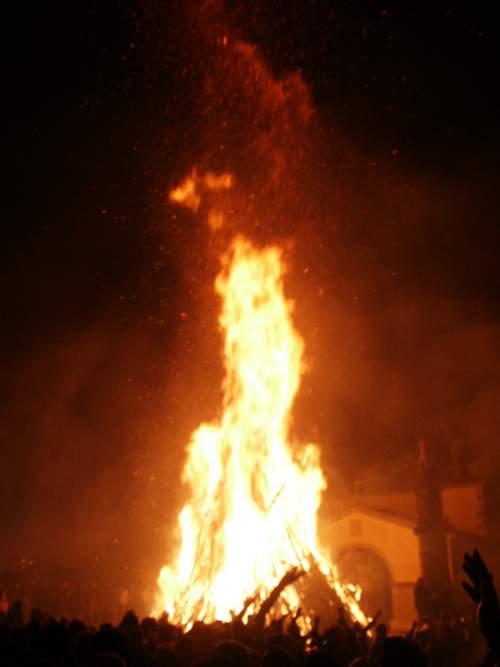 Fiesta de los Escobazos - Jarandilla de la Vera - Extremadura-imagen6