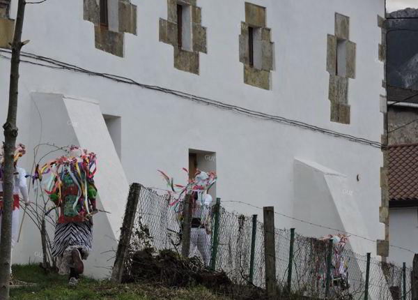 carnavales de unanu - navarra - rito - tradición - imagen1